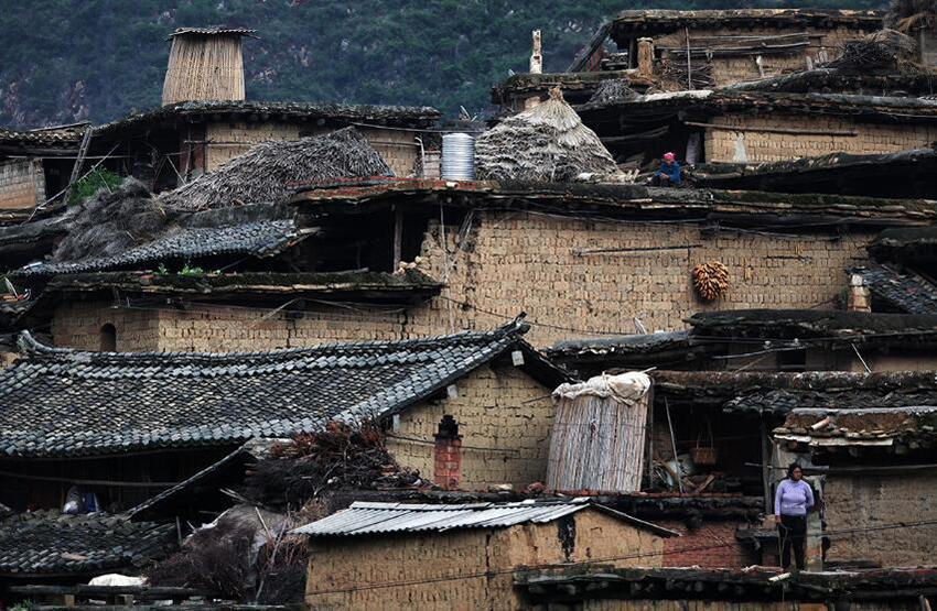 土掌房系土木结构,多为平房,部分为二屋或三层.